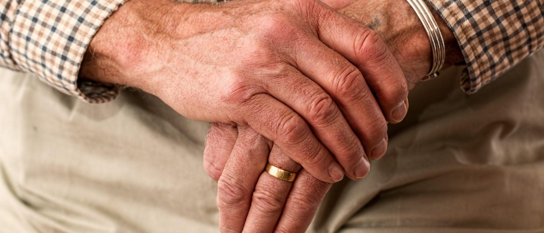 wandelen Man handen zorg